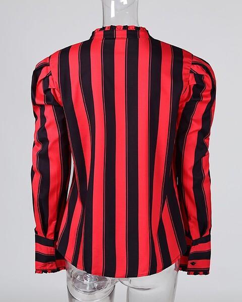 חולצת פסים מכופתרת בצבעי אדום-שחור