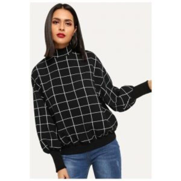 חולצת טריקו בסגנון קווי רשת