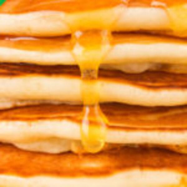 """שובר הנחה או ארוחת בוקר זוגית בבית הפנקייק המקורי, נמל ת""""א"""