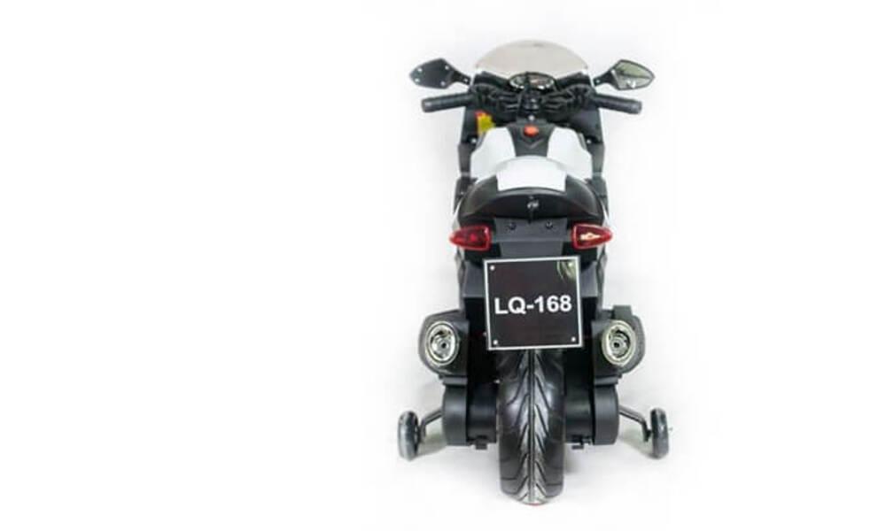 אופנוע ממונע עם גלגלי עזר לילדים