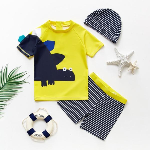 סט בגד ים: חולצה, מכנס וכובע לילדים עד גיל 6